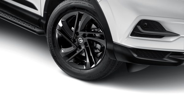 ALLOY WHEELS (17'' SNOW) Recommended Fitted Price: $1,489.00