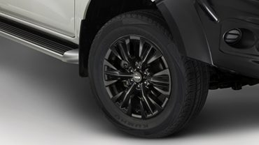 """ALLOY WHEELS SET OF 4 (18"""" SOLAR BLACK) Recommended Fitted Price: $1,909.00"""